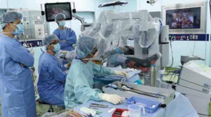 岡山大学病院は、ロボット手術やIVR治療にも、いちはやく対応